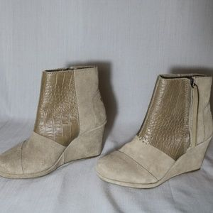 TOMS Womens Cream Suede Leather Wedge Booties